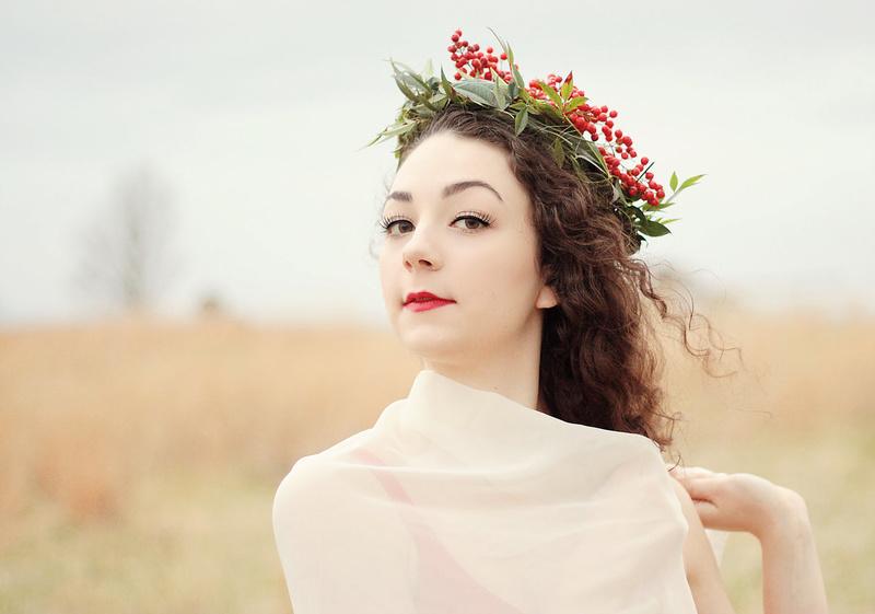 holly-hair-wreath