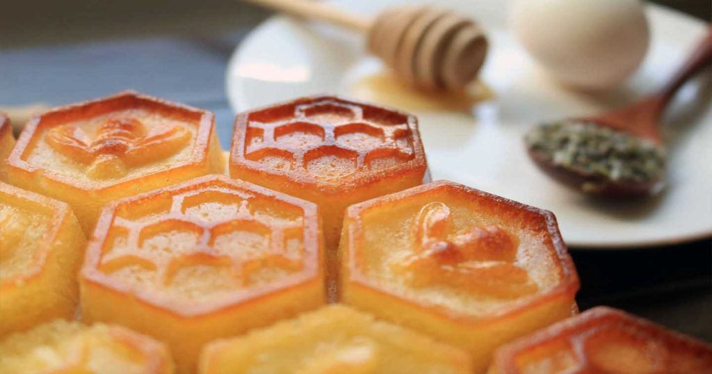 Honeycomb-shaped cake for the Summer Solstice