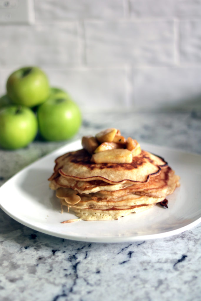 Gingerbread pancakes with tart friend apples.