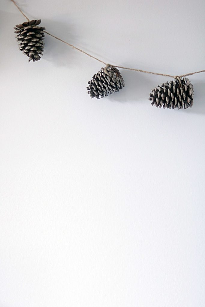 Natural, DIY pinecone garland.