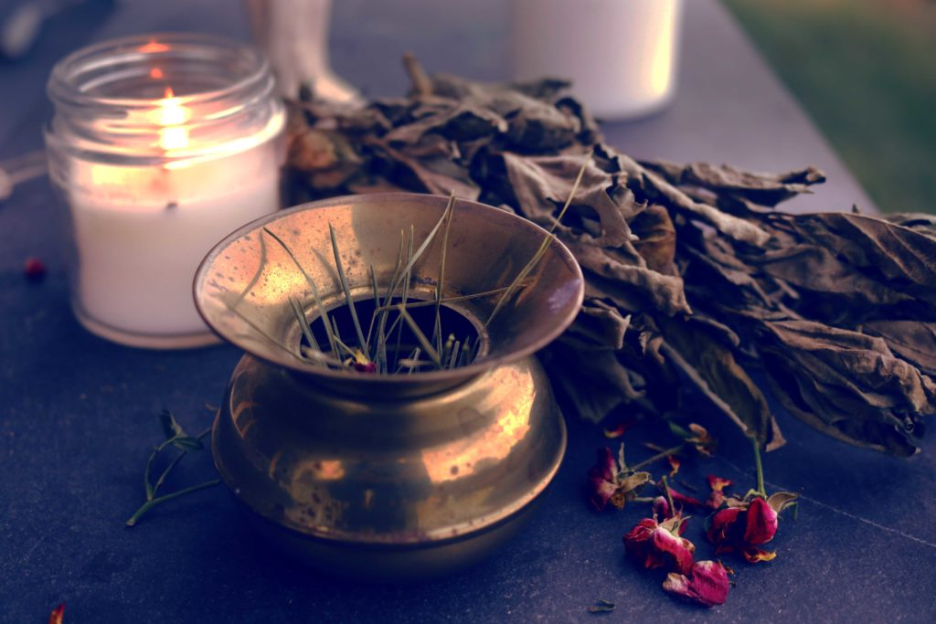 Witchcraft recipes for loose incense blends to use in spell craft.