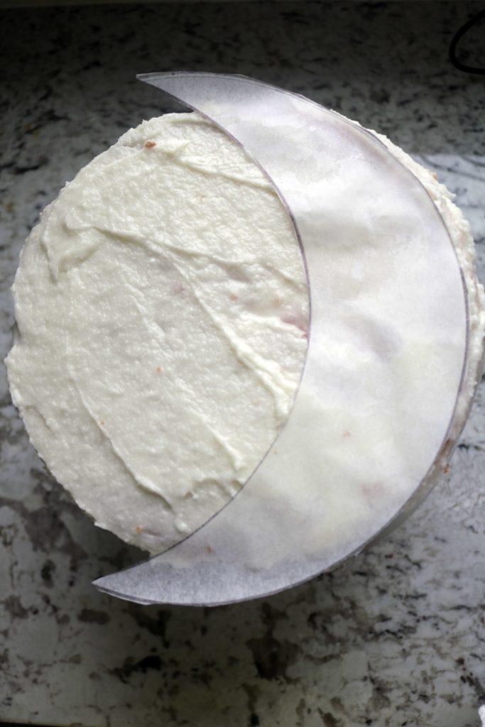 Crescent moon cake DIY parchment pattern.