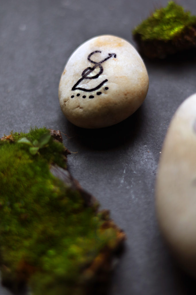Sigil stones are an easy witchy craft for a peaceful rainy day or lazy weekend.