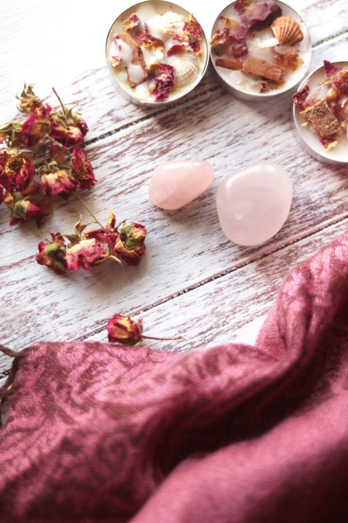Creative ideas to use rose quartz in magic, spells and witchcraft.