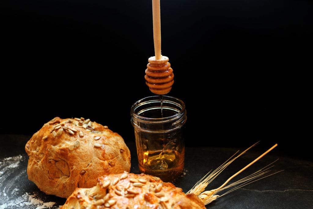Yum! Honey bread recipe for Lammas.